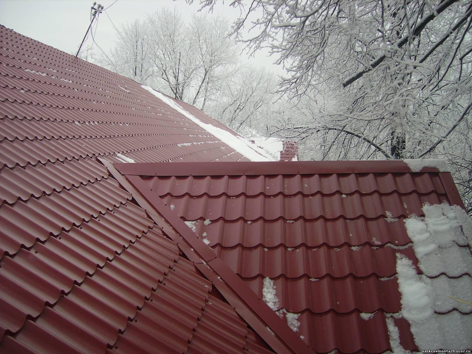 Как покрыть старую крышу металлочерепицей своими руками